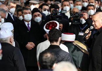 Fahrettin Koca, cenazedeki görüntü için özür diledi
