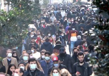 İstiklal'de korkutan kalabalık! Sağlık Bakanı Koca'yı dinleyen olmadı