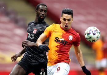 Galatasaray zirve yarışında yara aldı! 2-2