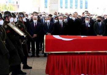 Eski Başbakan Yıldırım Akbulut'a veda