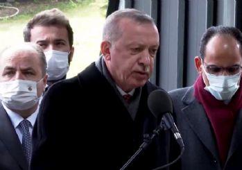 Erdoğan, Turgut Özal'ın kabri başında Kur'an okudu
