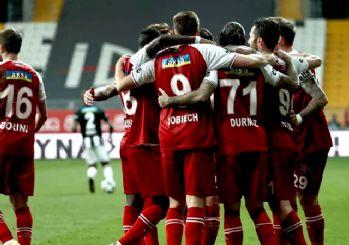 Lider Beşiktaş ağır yaralı! 2-1