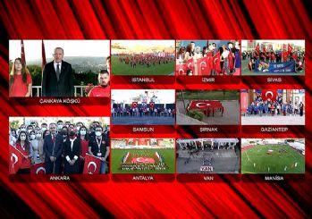Erdoğan, gençlerle birlikte İstiklal Marşı'nı okudu