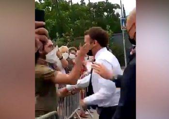 Fransa'yı ayağa kaldıran görüntüler! Emmanuel Macron'a tokat atıldı