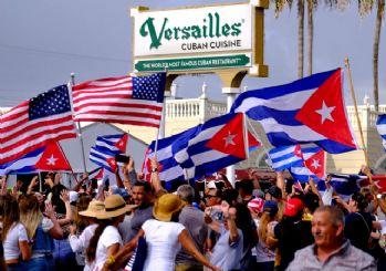 Küba'da halk sokağa indi! ABD bayrağı açtılar
