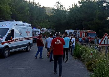 İzmir'de facia gibi kaza! 8 ölü 9 yaralı