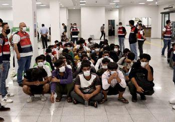 7 ayda 37 bin düzensiz göçmen sınır dışı edildi