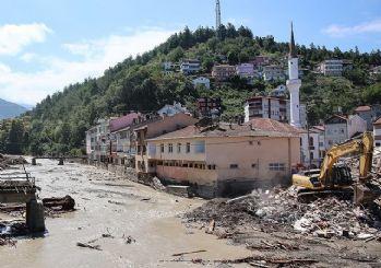Sel felaketinde can kaybı 81'e yükseldi