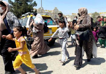 Taliban'dan kadınlara uyarı: Bir süre sokağa çıkmayın