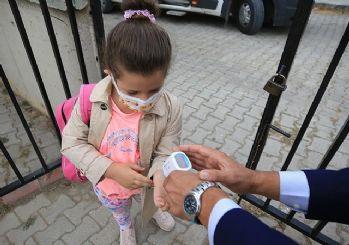 Okullarda velilerden izinsiz PCR testi yasak