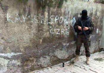 Özel Harekat'tan 'Kayserispor Cizre' pozu dikkat çekti
