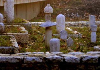 Osmanlı mirası mezar taşları gün yüzüne çıkarılıyor