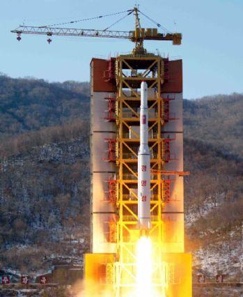Kuzey Kore uzaya uydu gönderdi