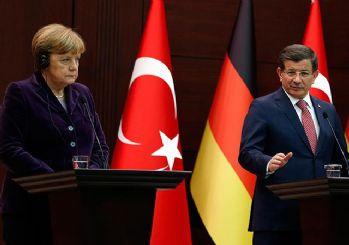 Davutoğlu'ndan Die Welt muhabiri Deniz Yücel'e cevap