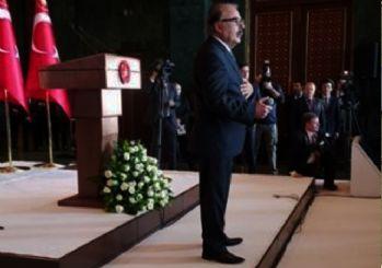 Ferdi Tayfur Cumhurbaşkanına 'sigarayı bıraktım' şarkısıyla seslendi