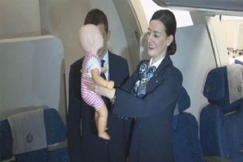 Alkışlar THY'nin kabin ekibine bebeğin hayatını kurtardılar