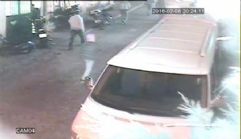 Markete molotoflu saldırı kamerada
