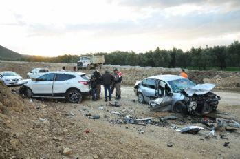 Aşırı hız kazaya neden oldu: 1 ölü, 4 yaralı