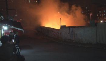 Gösteri sırasında atılan molotof yangına neden oldu