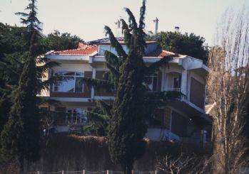 Türkan Şoray boğaz manzaralı sarayını satıyor