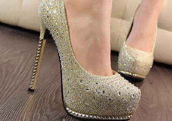 Topuklu ayakkabıyla mükemmel yürümenin sırları