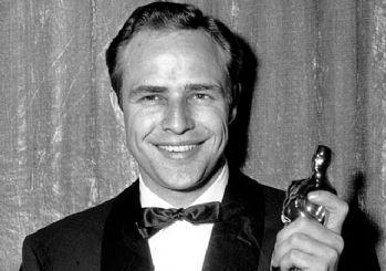 Marlon Brando'dan Oscar'a en Baba protesto