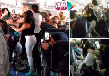 5 kadın uçakta böyle kavga etti