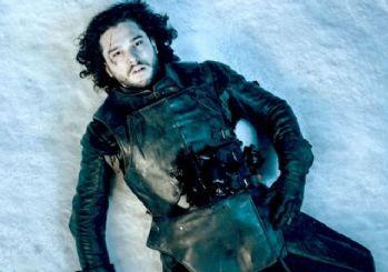 Game of Thrones'ta fısıltılar son buldu; Jon Snow öldü