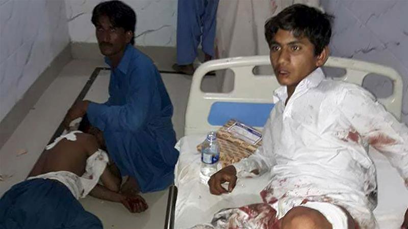 Pakistan'da türbeye bombalı saldırı: 70 ölü, 150 yaralı
