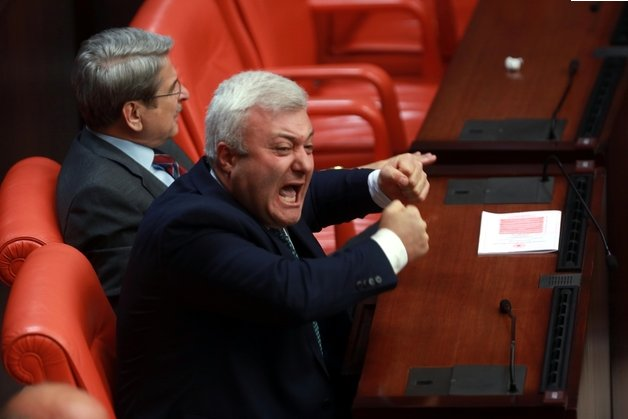 Meclis'te CHP'li Tuncay Özkan'ın isyanı | Hür Haber