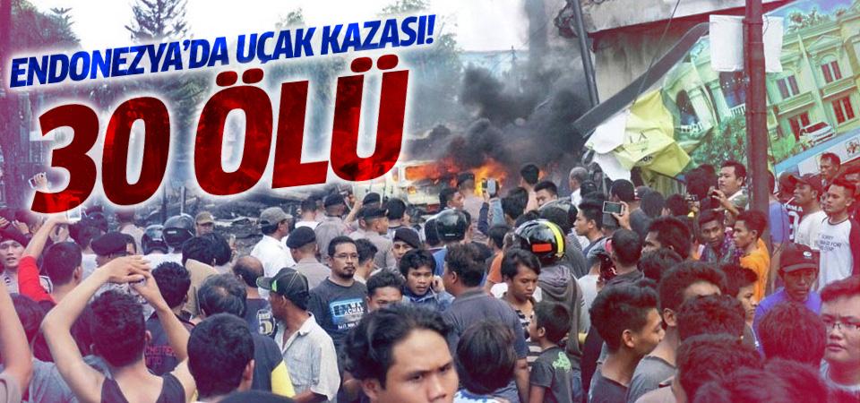 Endonezya'da askeri uçak düştü: 30 ölü