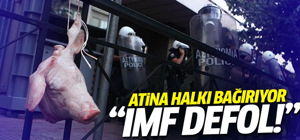 Yunanistan halkı Avrupa Birliğini protesto için eylem düzenledi