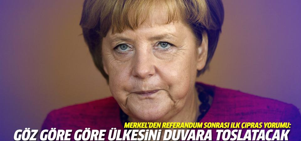 Merkel: Çipras Yunanistan'ı duvara toslatacak