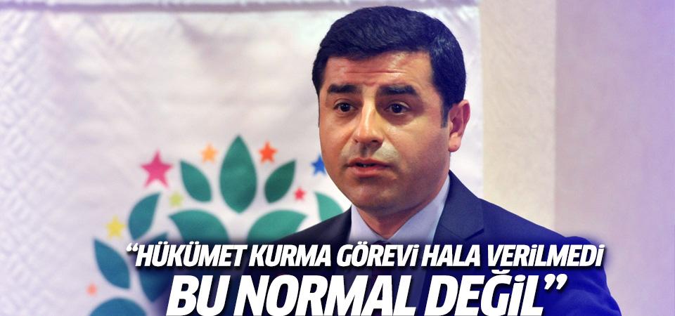 Demirtaş: Erdoğan hükümet kurma görevini vermeyi geciktirdi