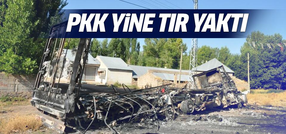 PKK Ağrı'da 4 araç yaktı
