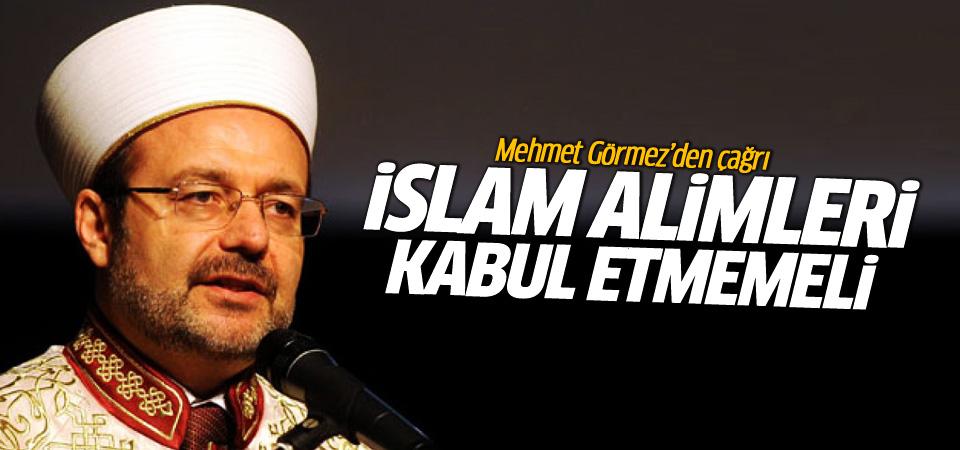 Görmez: İslamiyetin terörle anılması mahcup edicidir