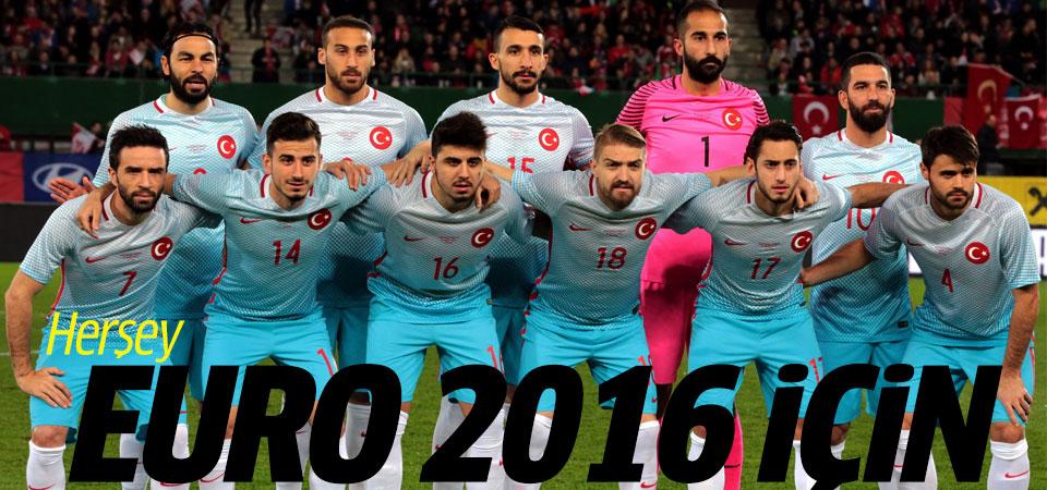 Türkiye Karadağ maçı hangi kanalda, saat kaçta?