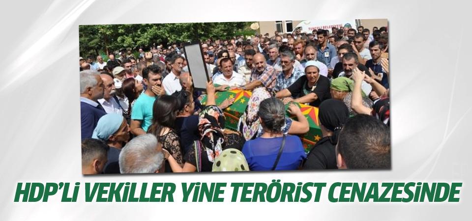 HDP'li milletvekilleri yine terörist cenazesinde