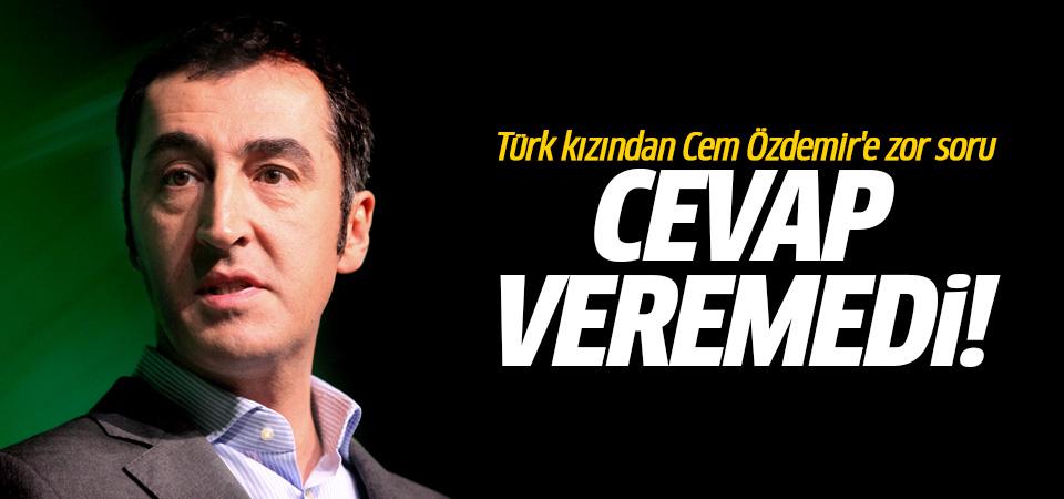 Türk kızından Cem Özdemir'e zor soru! Cevap veremedi