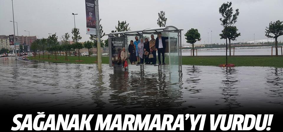 Şiddetli sağanak Marmara'yı fena vurdu
