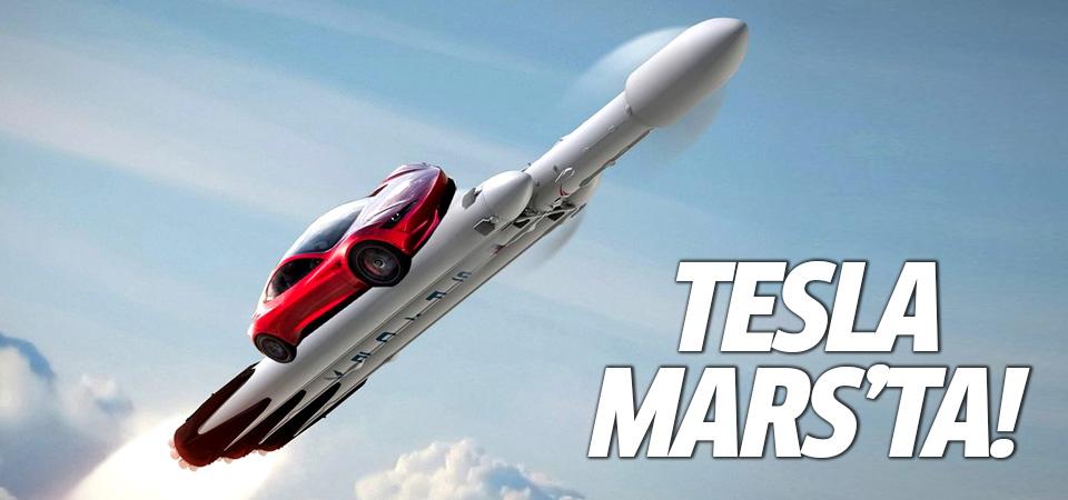 Elon Musk Mars'a Tesla yolladı!