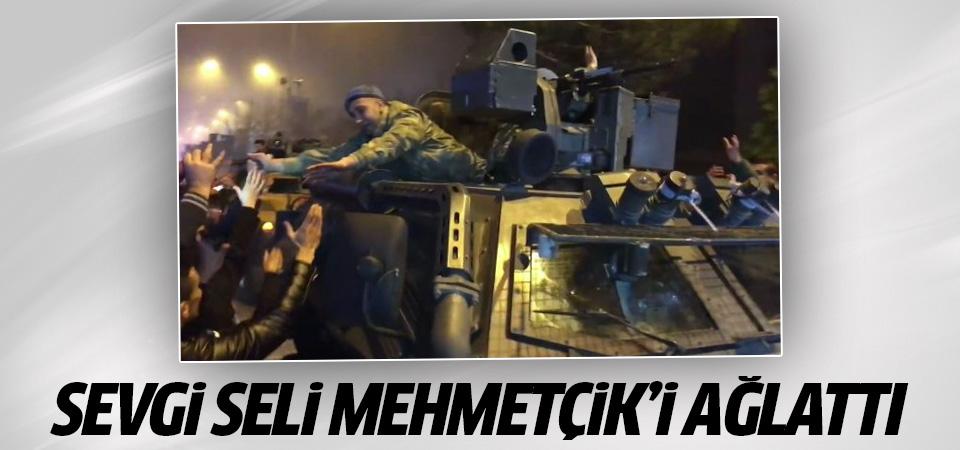 Sevgi seli Mehmetçik'i ağlattı