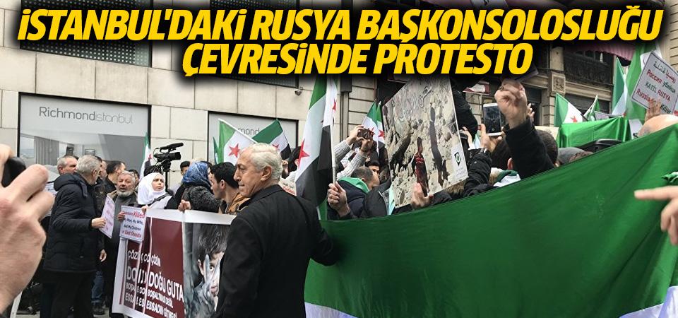 İstanbul'daki Rusya Başkonsolosluğu çevresinde protesto