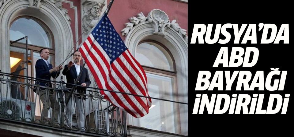 Rusya'dan ABD'ye misilleme: Bayrağı indirildi