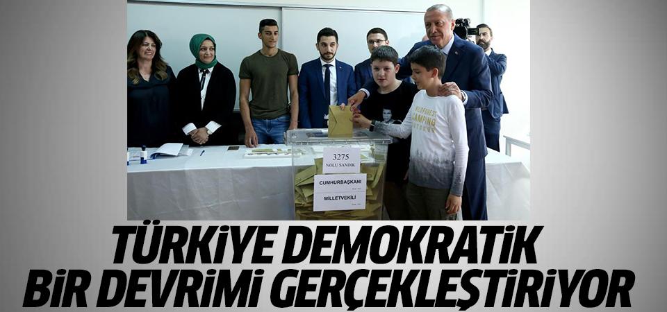 Erdoğan oyunu kullandı: Türkiye demokratik bir devrimi gerçekleştiriyor