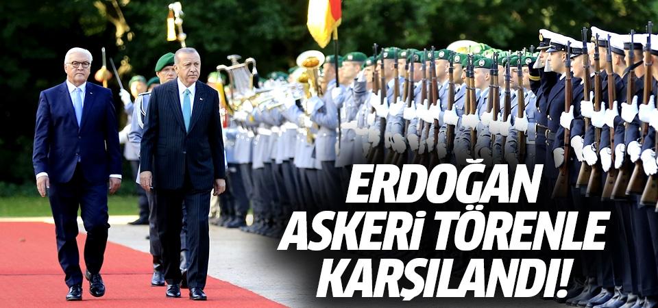 Erdoğan, Steinmeier tarafından resmi törenle karşılandı
