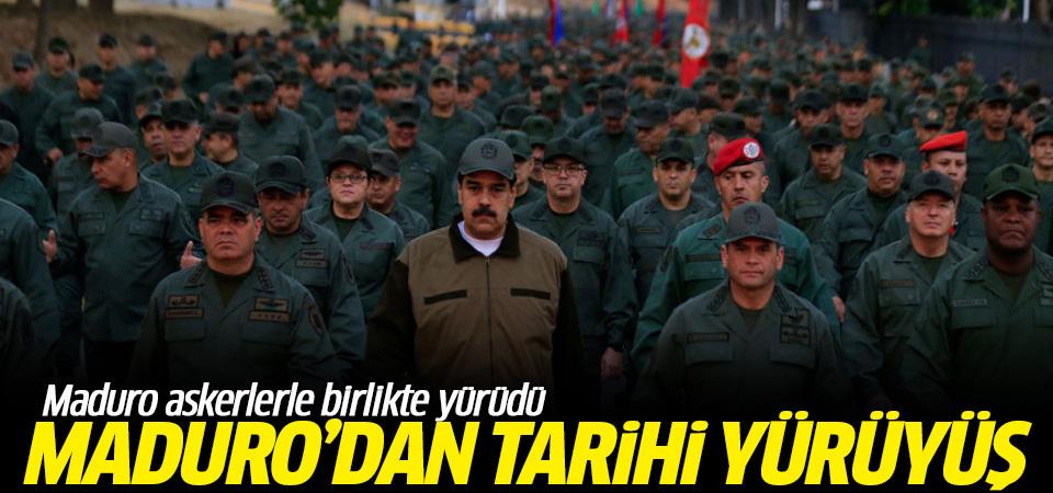 Maduro askerlerle birlikte yürüdü…