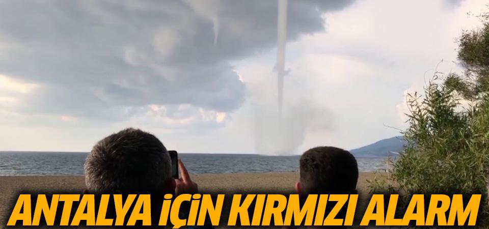Meteoroloji'den Antalya için ilk kez 'kırmızı' uyarı