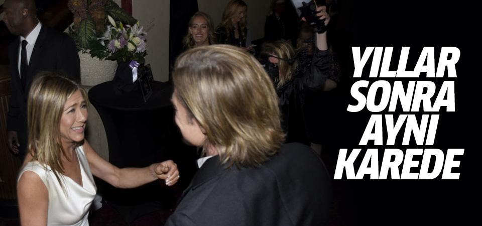 Jennifer Aniston ve Brad Pitt yıllar sonra aynı karede