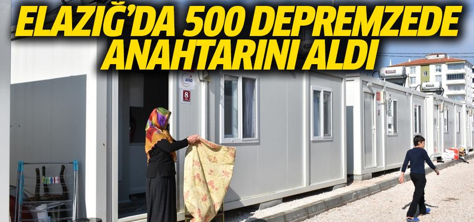 Elazığ'da 500 depremzedeye anahtarlar verildi